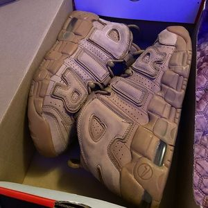 Nike uptempos in flax